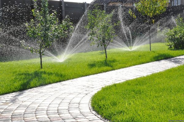 Этапы монтажа автоматического полива газона