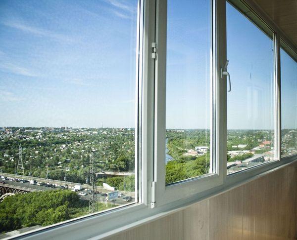 holodnoe-osteklenie-balkona-osobennosti-i_2